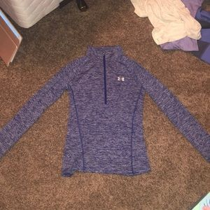 size small under armour pullover